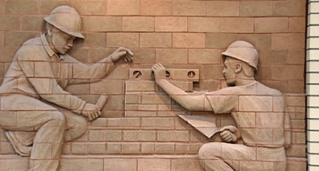 Watching Various Bricklayers at Work - YouTube